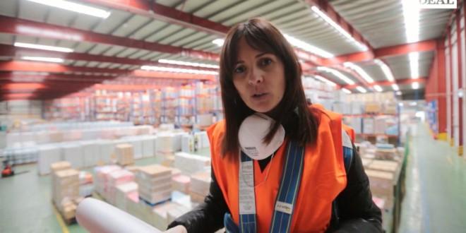 Turnos de día y noche en el «pulmón» de Covirán en Atarfe para surtir a 3.000 supermercados