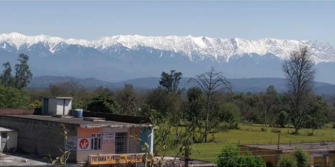La drástica caída de la contaminación permite a la India volver a ver el Himalaya después de varias décadas