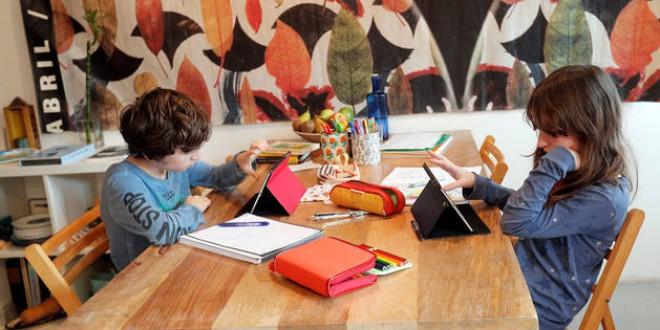 CEAPA lamenta que el Consejo Escolar dé la espalda al alumnado afectado por la brecha digital
