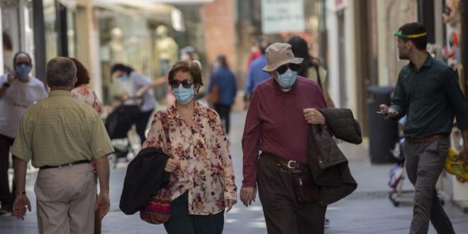 La mascarilla será obligatoria desde este jueves en espacios públicos si no se puede garantizar la distancia
