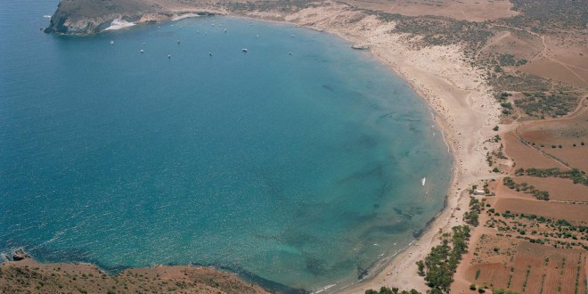 ¿No es suficiente con un Algarrobico? PP, Cs y Vox autorizan un hotel en la playa de Genoveses, en pleno Cabo de Gata