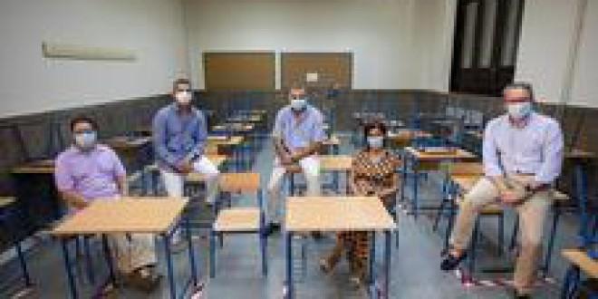 Inquietud y dudas en los colegios granadinos por una compleja vuelta a clase