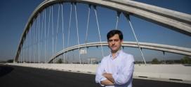 El Atarfeño Óscar Ramón Gutierrez diseñador del puente atirantado de la Segunda Circunvalación sobre el río Genil