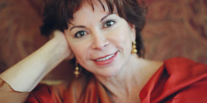 ISABEL ALLENDE: Encerrada en su casa la escritora chilena vive en Estados Unidos desde hace 32 años.