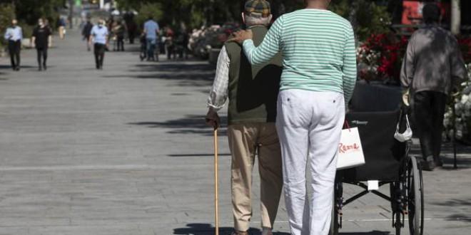 Granada tardará catorce años en volver a crecer y seguirá envejeciendo