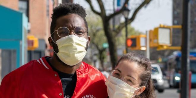 De evitar caídas a que no se empañen los cristales o prevenir heridas en la nariz: consejos para llevar mascarilla con gafas