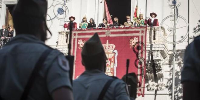 El Ayuntamiento estudia ahora tremolar el Pendón en la Toma de Granada, pero sin gente