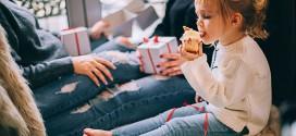 """Niños hiperregalados: """"Reciben tantos juguetes que, cuando pasa la novedad, se aburren o no saben jugar solos"""""""