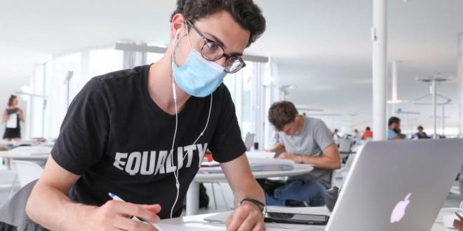 La UGR ofrece ayudas para el entorno virtual para el curso 2021/22