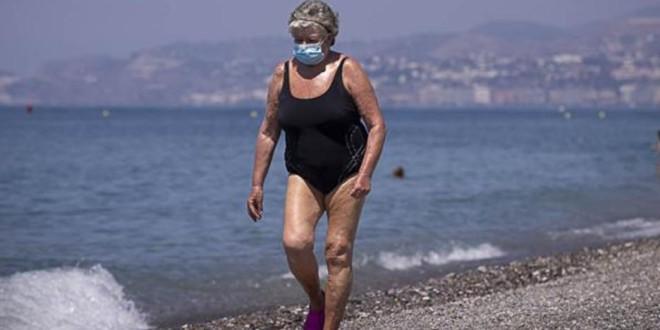 Salud aclara qué ocurrirá este verano con las mascarillas contra la covid en Andalucía