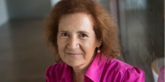 Margarita del Val señala que el riesgo de la vacuna es «1.000 veces inferior» al de pasar la COVID-19