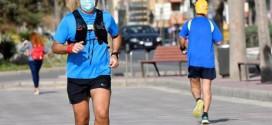 Expertos advierten de los riesgos de correr con mascarilla