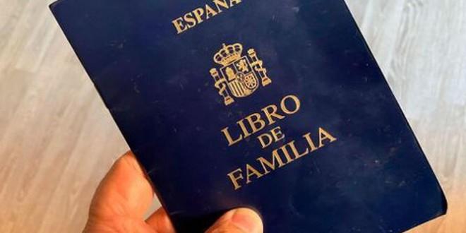 España dice adiós al libro de familia