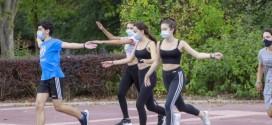 Andalucía quiere eliminar la mascarilla en los recreos y educación física en espacios abiertos