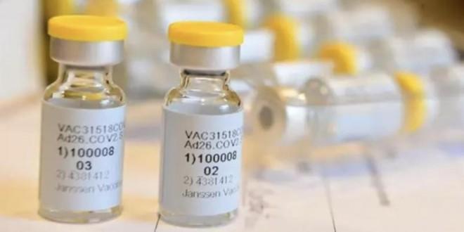 Sanidad y las comunidades autónomas autorizan la vacuna de Janssen a menores de 60 años