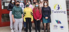 EL IES LA VEGA ( instituto de Atarfe) repite en unos premios de colaboración internacional