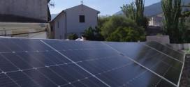 Plantan cara a la subida de la luz con una pionera cooperativa de energías renovables